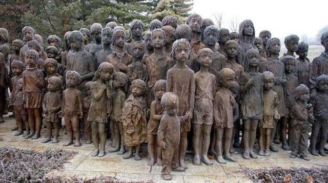 los-ninos-de-lidice-rpca-checamonumento-que-recuerda-una-horrible-masacre-de-la-segunda-guerra-mundial-fotografia-de-donald-judge