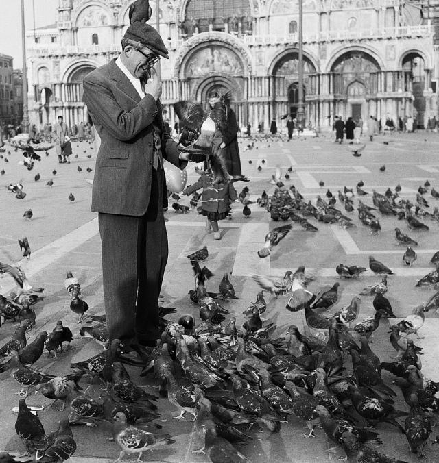 John Huston, en La Plaza de San Marcos de Venezia.