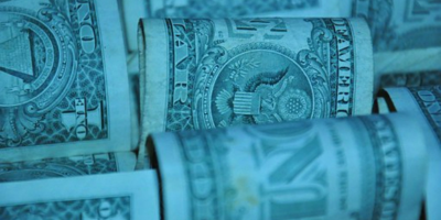 Dólares USA, deuda mundial