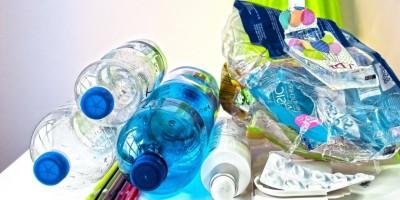 Agua y residuos plásticos